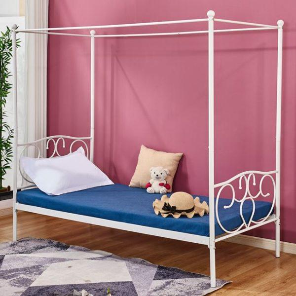 Бяло-метално-легло